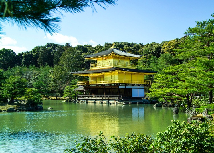 golden-pavilion-in-kyoto-japan